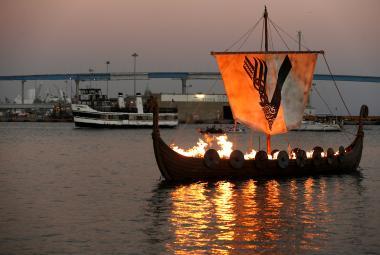 Tajemství vikinského úspěchu? Ovládli jako první průmyslové zpracování dehtu