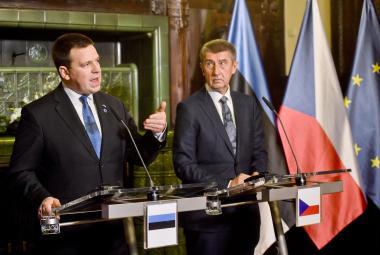 Estonský premiér Jürim Ratas a český premiér Andrej Babiš