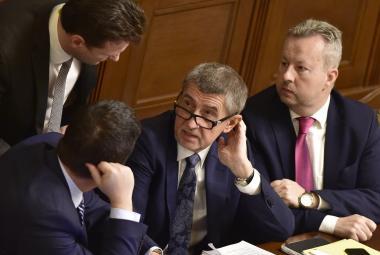Hlasování o nedůvěře vládě