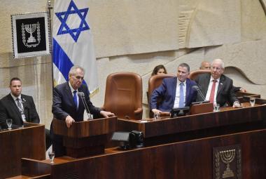 Miloš Zeman při projevu v Knesetu