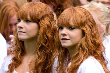 Proč mají lidé zrzavé vlasy? Vědci našli osm zatím neznámých genů
