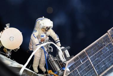Díra na ISS nemohla být vyvrtaná zevnitř, tvrdí ruští experti po průzkumu stanice