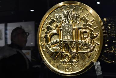 Bankovky podle Muchy i obří zlatá mince. ČNB připravila výstavu o historii tuzemské měny