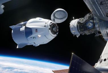 Ripleyová přilétla. Loď Crew Dragon se úspěšně spojila s ISS