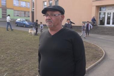 Bažo alias Jožo z chanovského sídliště hrál v seriálu Most! sám sebe. Místní ho respektují