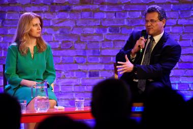 Zuzana Čaputová a Maroš Ševčovič v televizní předvolební debatě