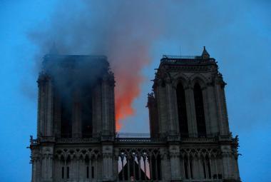 Zbavit Matku Boží popela. Češi mohou přispět na obnovu Notre-Dame