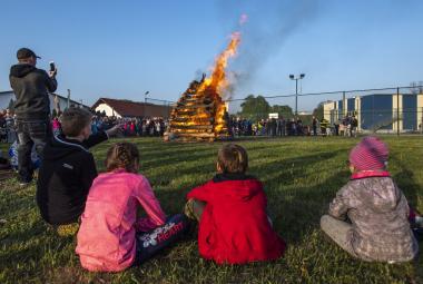 Po celém Česku vzplály čarodějnické vatry