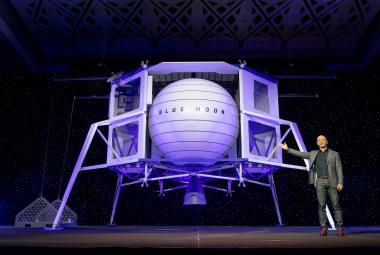 Na Zemi není dost zdrojů, musíme na Měsíc, představil svou vizi nejbohatší muž světa