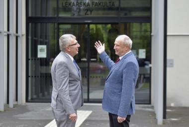 Ředitel FNO Jiří Havrlant a děkan Lékařské fakulty OU Arnošt Martínek