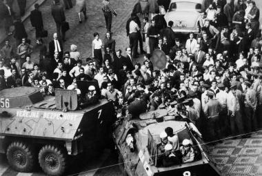 V srpnu 68 přijeli okupanti, o rok později stáli Češi proti Čechům. Protesty před 50 lety režim rozstřílel