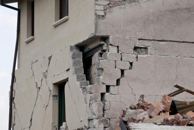 Tiché hrozby: Zemětřesné roje přinášejí do Česka otřesy, při kterých praskají zdi