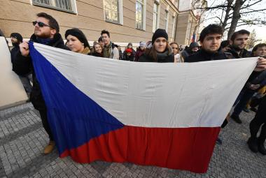 Tradiční shromáždění studentů na pražském Albertově