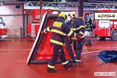 Speciální nafukovací bariéra je lehká, ale odolá explozi. Zájem mají hasiči či pyrotechnici