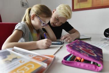 Učitelky zastoupí UčíTelka. Opravdovou školu nenahradí, ale pomůže, říká ředitel ČT Dvořák