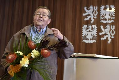 Ve věku 82 let zemřel novinář a signatář Charty 77 Jiří Hanák