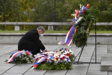 Československo oslavilo 102. narozeniny. Semkněme se znovu a těžké období překonáme, vyzval na Vítkově Babiš