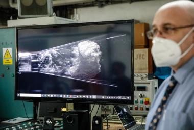 Brněnští vědci přišli s novou technologií čištění vody pomocí plazmatu. Odstraní bakterie i chemikálie