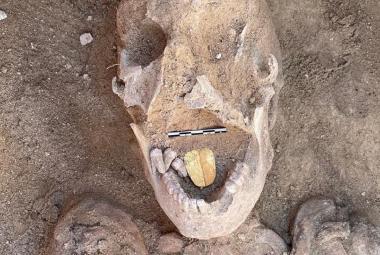 V Egyptě našli pozoruhodnou mumii, muže se zlatým jazykem