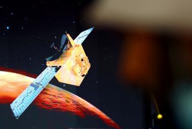 Arabská sonda Naděje dorazila na oběžnou dráhu Marsu. Budou ji následovat čínská a americká