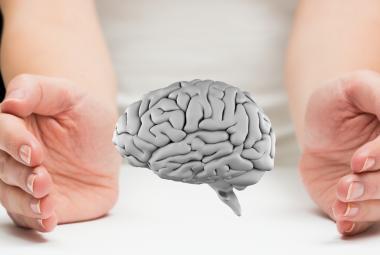 """Dlouhý covid doprovázejí neurologické problémy. Nejčastější je """"mozková mlha"""""""