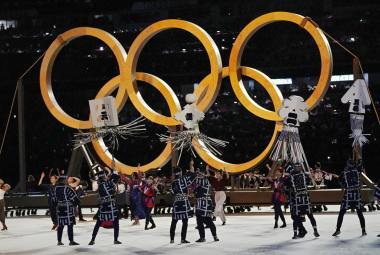 Olympiáda v Tokiu začala komorně, ceremoniál se obešel bez hromadných vystoupení i kouře