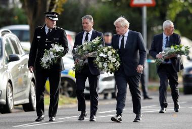 Útok na poslance Amesse byl teroristický čin, uvedla britská policie