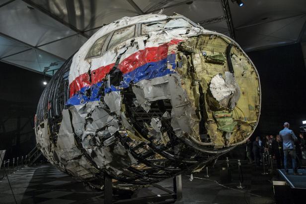 Závěr vyšetřování: Let MH17 sestřelila raketa Buk odpálená z východu Ukrajiny