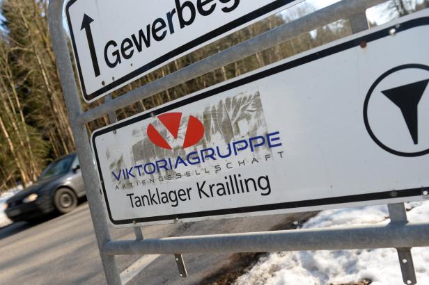 Správce zkrachovalé Viktoriagruppe chce od Česka zpátky naftu za miliardu
