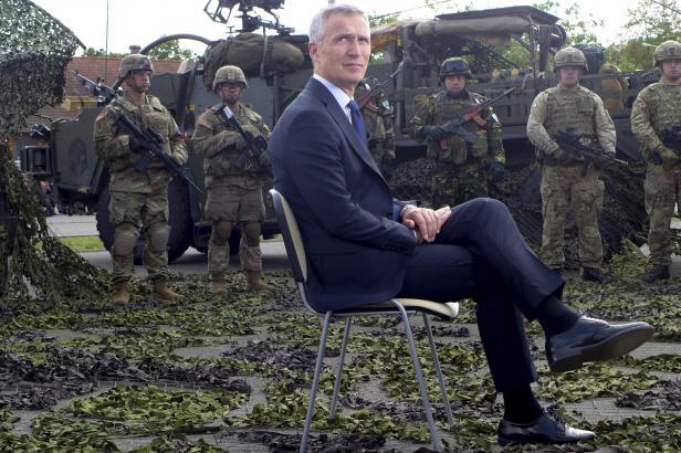 Stoltenberg zůstane tajemníkem NATO do roku 2020. Shodly se na tom členské státy