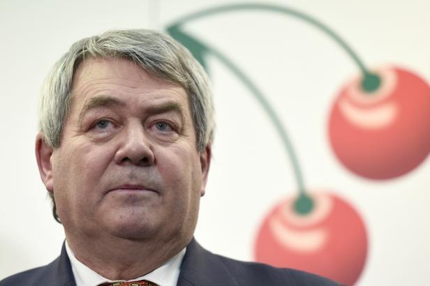 Nové zítřky KSČM: Filip obhajuje předsednický post, hraje se také o podporu Babišovy vlády