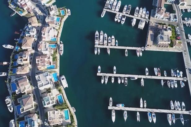 Rusové skupují nemovitosti na Kypru. Za dva investované miliony eur dostanou i kyperský pas