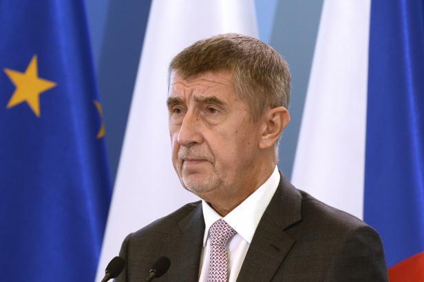 Europoslanci debatovali o Agrofertu a Babišovi. Do vyřešení Česko nedostane dotace, řekl komisař