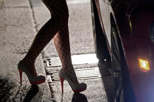 Prostituce versus zákon. I v zemích, kde je legální, většina prostitutek zůstává v šedé zóně, upozornil sexuolog