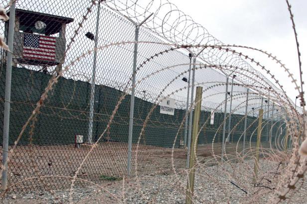 Trump zvažuje internaci zahraničních radikálů v Guantánamu, tvrdí televize ABC