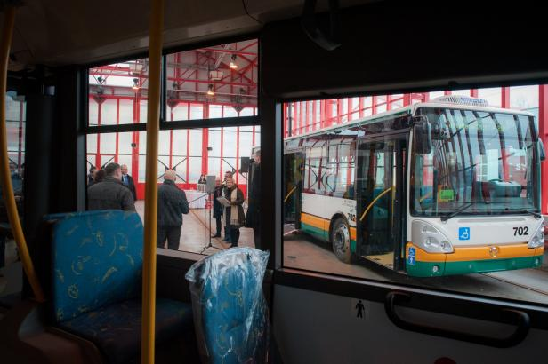 Na liberecký dopravní podnik přišla policie, zasahovala i u dopravce BusLine