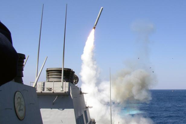 Rusové si nevybuchlé západní rakety ze Sýrie odvezli do Moskvy. Rozebírají je na součástky