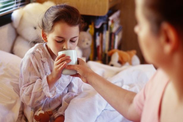 Чем в домашних условия быстро вылечить кашель и горло