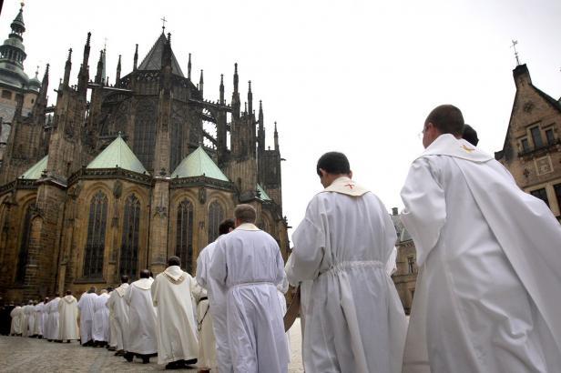 První česká církevní banka? Biskupství se připravují na provoz bez dotací od státu