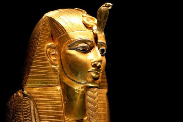 Dveře do pohřební komory Zlatého faraona se otevřely. Před 95 lety svět zjistil, kdo byl Tutanchamon