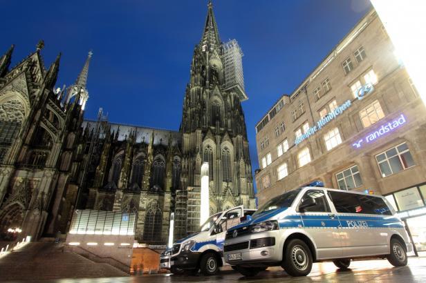 V Kolíně nad Rýnem evakuovali kvůli bombě z války tisíce lidí