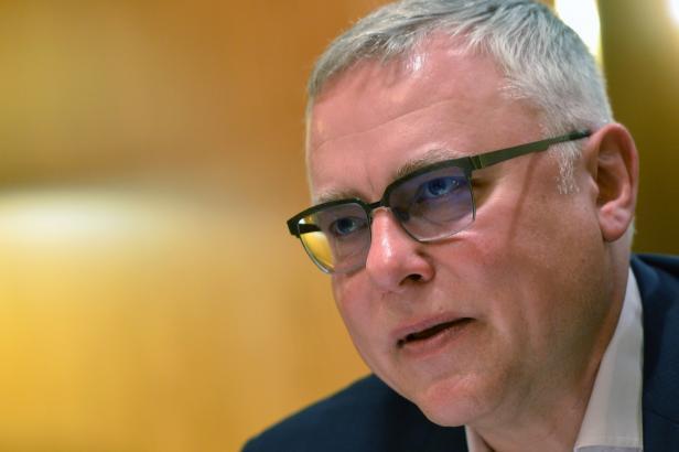 Žádost o předvedení Bakaly kvůli OKD už by měla mít policie. Ta čeká, až bude finančník v Česku