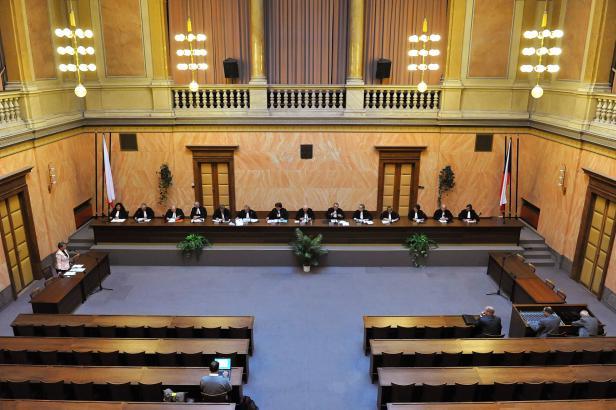 Ústavní soud zrušil část zákona o EET. Škrtl...