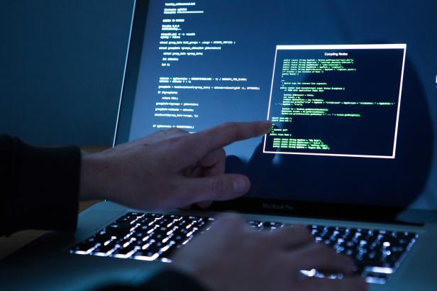 USA se přidávají k obvinění Ruska za loňský kyberútok