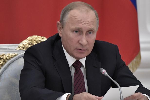 Putin nečekaně navštívil Sýrii a nařídil stažení ruských vojáků ze země