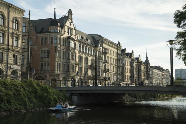 Švédská policie vyšetřuje už třetí protižidovský útok. Demonstranti spílají Trumpovi