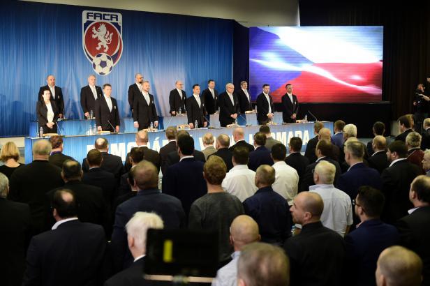 Český fotbal povede Malík, ve vedení FAČR je znovu Berbr