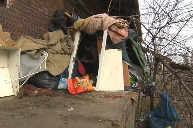 Český Těšín bojuje s bezdomovci. Usídlili se v nádražních budovách