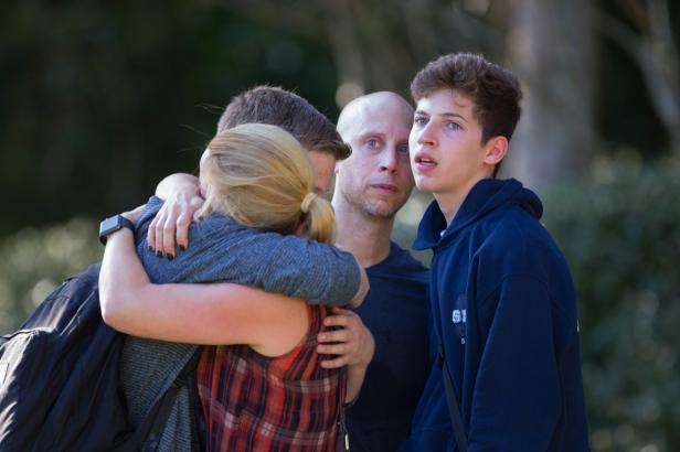 Trenér chránil parklandské žáky vlastním tělem. Hrdinský čin zaplatil životem