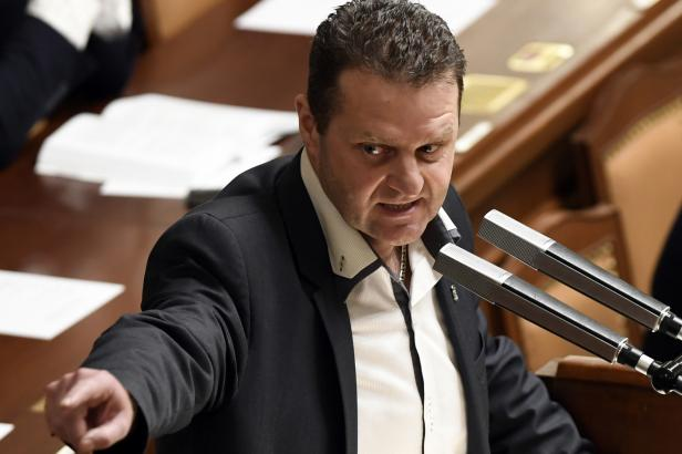 Policie chce vydat k trestnímu stíhání komunistického poslance Ondráčka